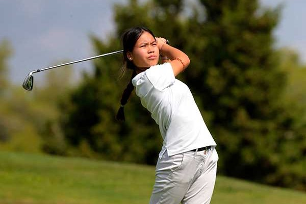 Julia Mangas, second in the Triangular Juvenil by couples of Raimat Golf